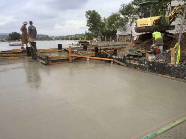 polished concrete laying